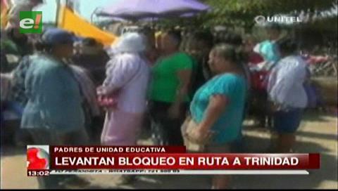 Guarayos: Padres de familia levantan bloqueo
