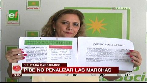 Acusan a Montaño de no decir la verdad sobre la penalización de las protestas