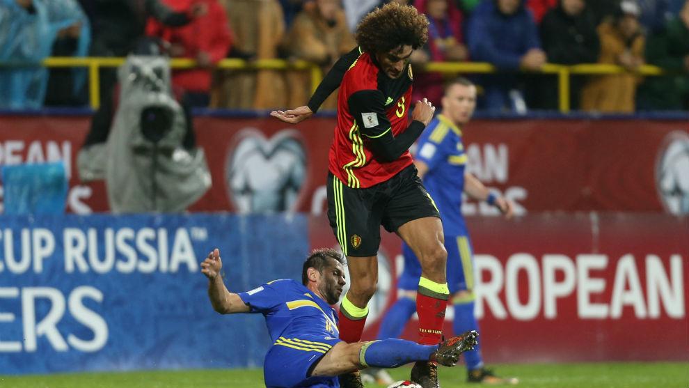 Fellaini sufrió una lesión en los ligamentos de la rodilla