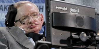 Tesis doctoral de Hawking se publica en línea y colapsa el sitio de la Universidad de Cambridge