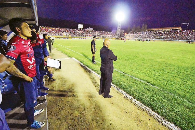 Un error le cuesta el cargo a Roberto Mosquera