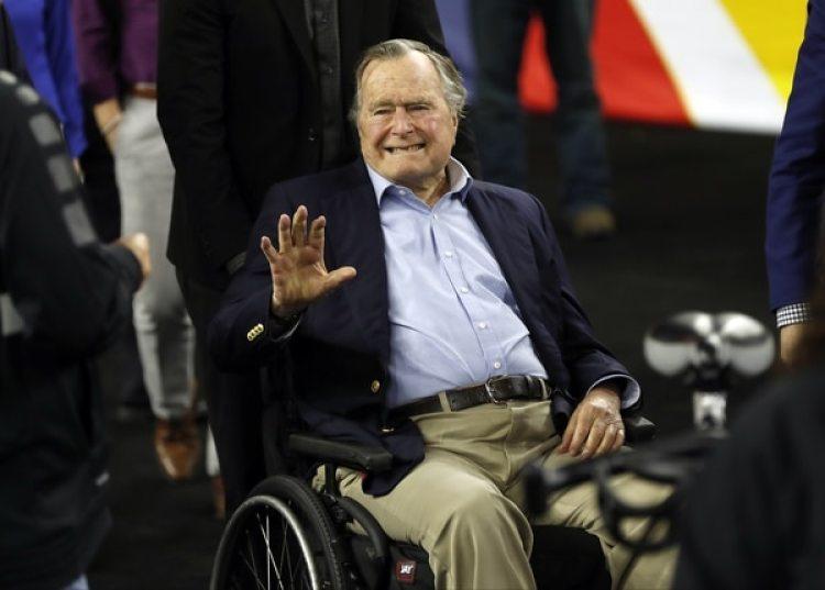 George H.W. Bush, en una foto de abril 2016 (AP)