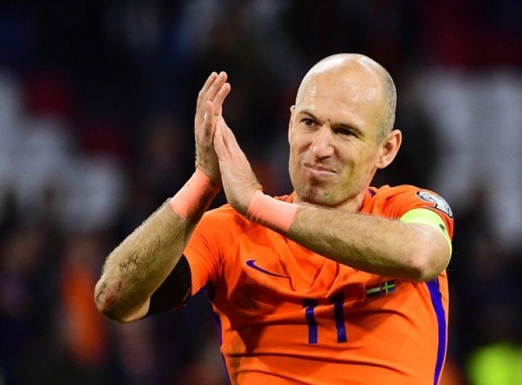 Arjeen Robben: el holandés, tras la eliminación, renunció a la selección (AFP)