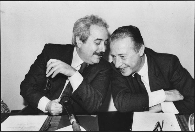 Los jueces anti mafia Giovanni Falcone (izquierda) y Paolo Borsellino. Ambos murieron en atentados mafiosos en 1992