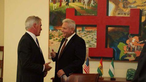Peter Brennan y Rubén Costas en la reunión que sustuvieron este viernes en Santa Cruz.