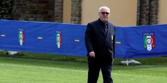 Renunció Carlo Tavecchio, presidente de la Federación de Fútbol de Italia