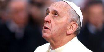 El Estado Islámico amenazó a los cristianos con una imagen del papa Francisco decapitado