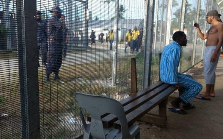 Refugiados en el centro de Manus (AFP/GETUP)