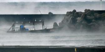 Un pesquero norcoreano con 8 tripulantes llega a las costas de Japón