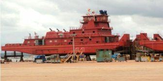 """Cinco años que el Gobierno boliviano no pone en uso las barcazas """"chinas"""""""