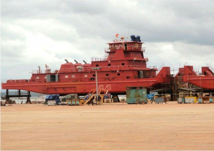 En 2015, un informe extraoficial reveló que las barcazas se encontraban en extremo deterioro.