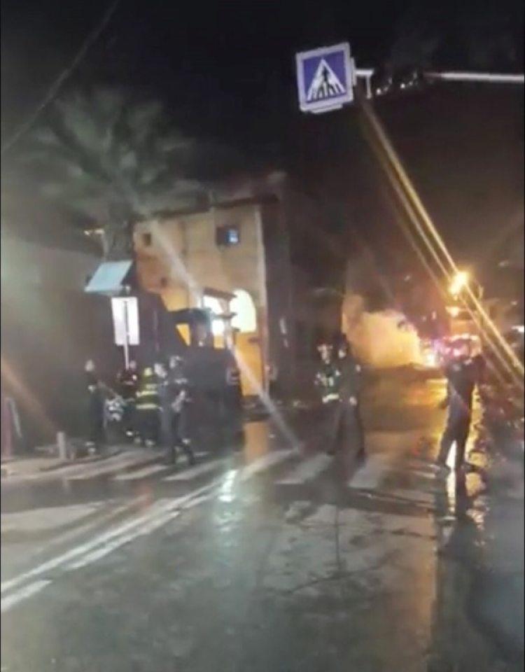 Rescatistas en la escena dela accidente (Hila Shirazy/via REUTERS)