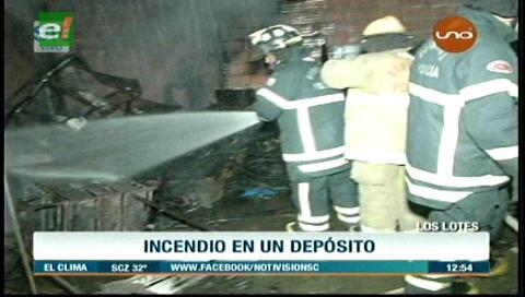 Brasas de una parrilla provocan incendio en una casa