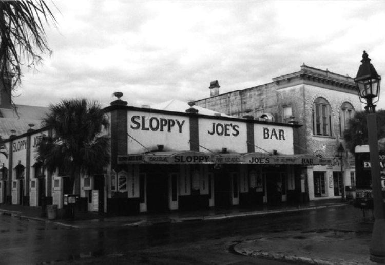 Sloppy Joe's Bar, donde recuperaron las fotos. Todavía sigue abierto