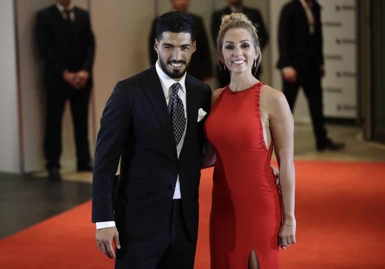 Resultado de imagen para luis suárez y su esposa 2017