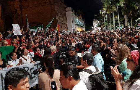 Protesta en la Plaza 24 de Septiembre de Santa Cruz de la Sierra