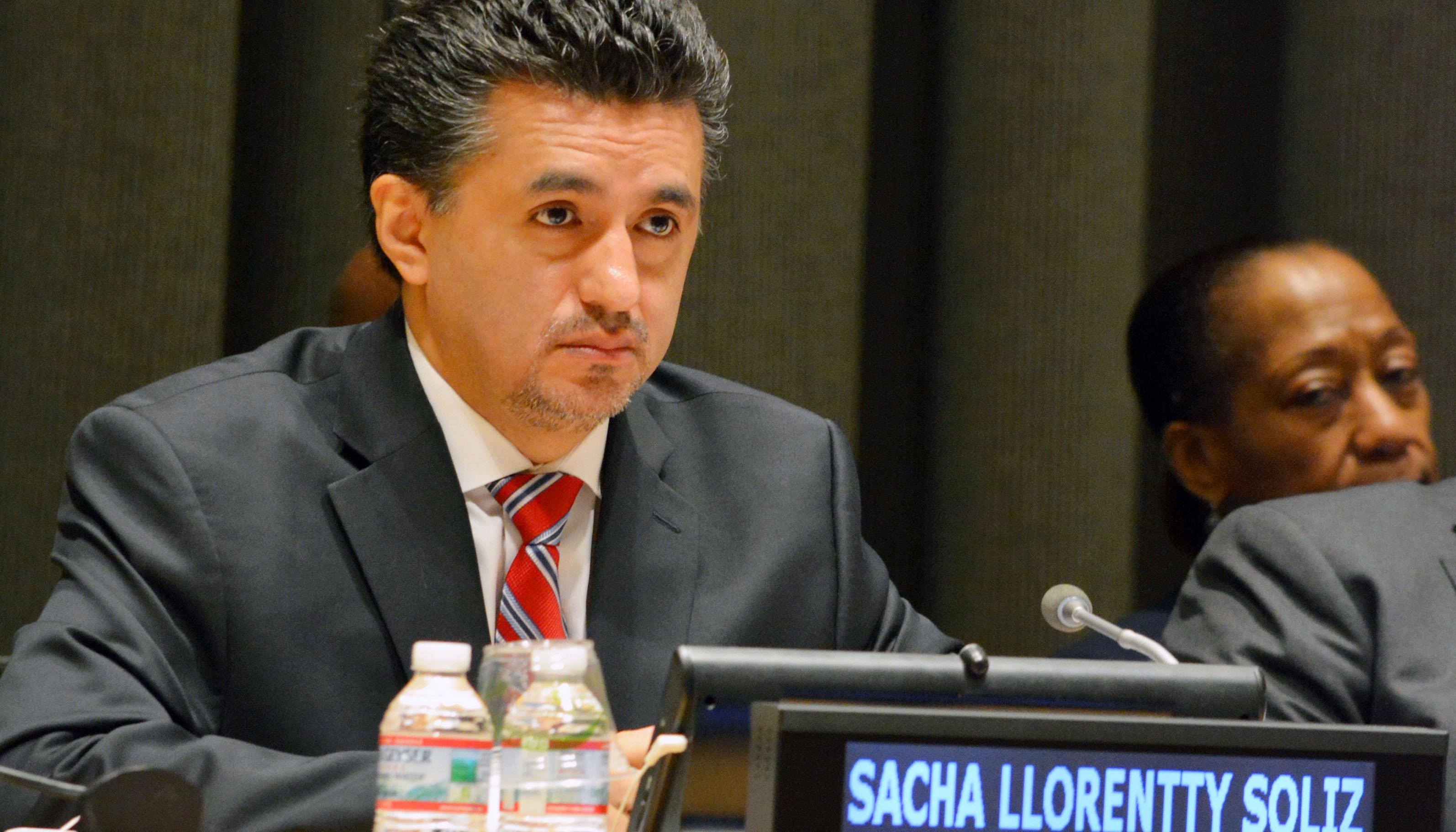 Resultado de imagen para l embajador de Bolivia, Sacha Llorenti,