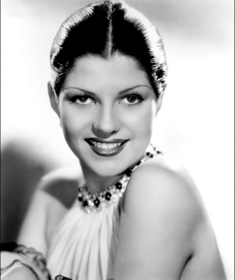 Rita Hayworth fue abusada por su padre.