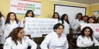 Médicas invitan a ministra Campero hacer guardia 24 horas para ver carencias