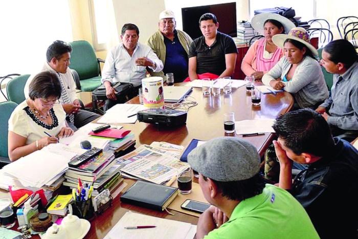 San Simón da hasta 800 becas directas a cocaleros y bartolinas