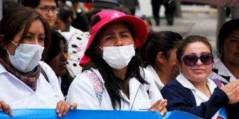 Estudiantes que protestaban contra la promulgación de la nueva ley penal fueron gasíficados en alrededores de la plaza Murillo