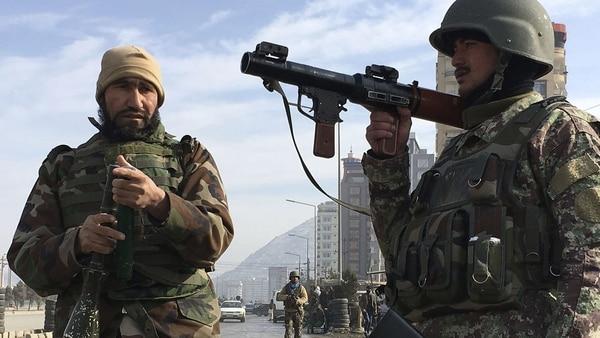 El Estado Islámico atacó una central de inteligencia en Kabul