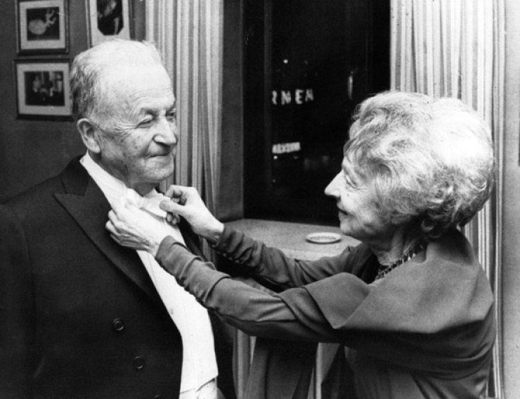 Samuel Agnon y Nelly Sachs comparten un momento antes de la entrega del Nobel de 1966