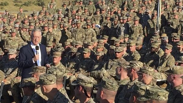 Mattis, 1er jefe de defensa que visita Guantánamo desde 2002