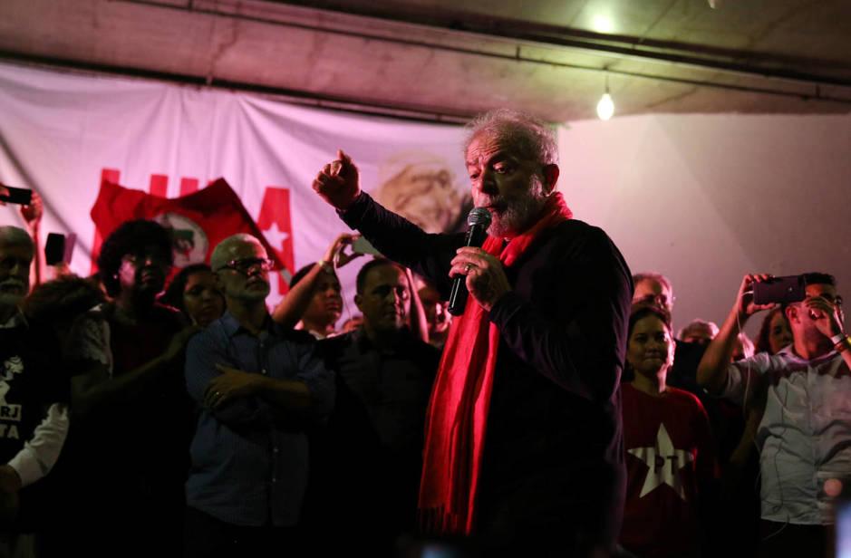 El expresidente Luiz Inacio Lula da Silva durante un mitin en Río de Janeiro, Brasil. (Reuters)
