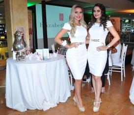 Luma Araujo y Ximena Mendez, modelos presentando White Tea.