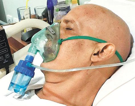 Carlos Chávez, en terapia intensiva de una clínica en Santa Cruz, luchando por su vida