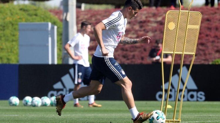 James Rodríguez se siente a gusto en el Bayern Múnich y planea quedarse en la Bundesliga (AFP)