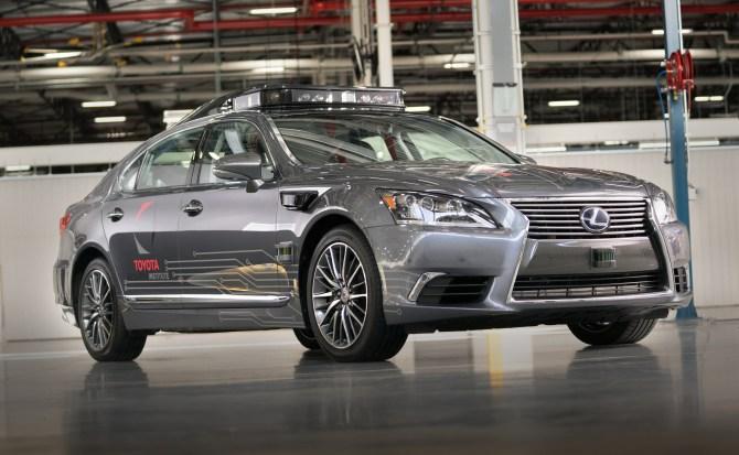 Nuevo coche autónomo de Toyota con visión 360º de hasta 200 metros de alcance