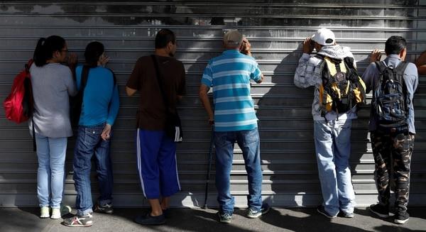 El Gobierno obliga a los supermercados a bajar precios — Venezuela