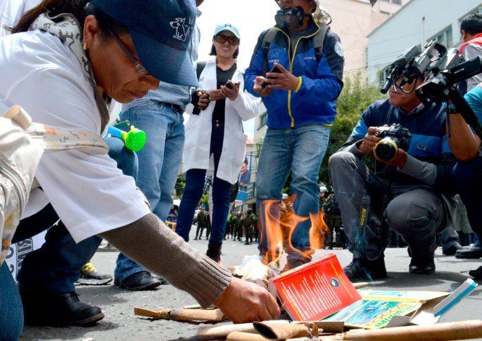 Abordará legislativo boliviano anulación de artículos de Código Penal