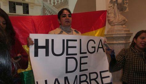 La senadora de la opositora Unidad Demócrata (UD) Carmen Eva Gonzales instala la huelga de hambre. Foto: Dennis Luizaga