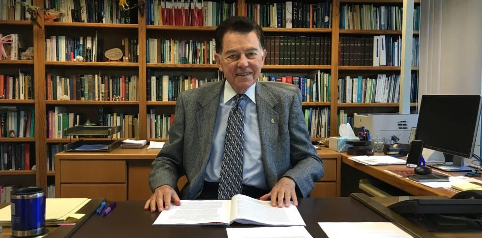 """Francisco J. Ayala: """"Podremos curar personas clonando células"""""""