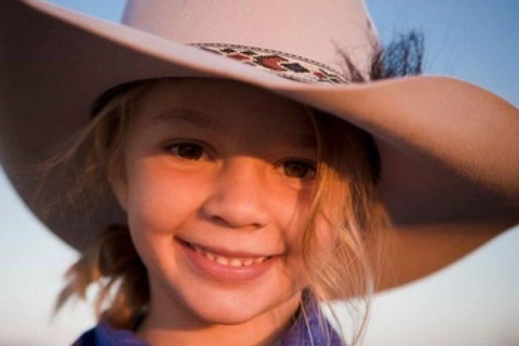 """La imágen de Amy """"Dolly"""" Everett usada en la propaganda de los sombreros Akubra hace 8 años (Akubra Hats/PR)"""