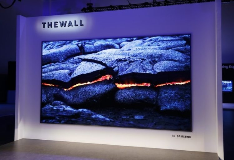 Samsung presentó The Wall, un televisor modular con microLED (Danny Moloshok/Invision for Samsung/AP Images)