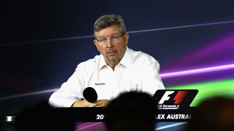 Ross Brown, actual director deportivo de la Fórmula 1, habló sobre las amenazas de Ferrari (Getty Images)