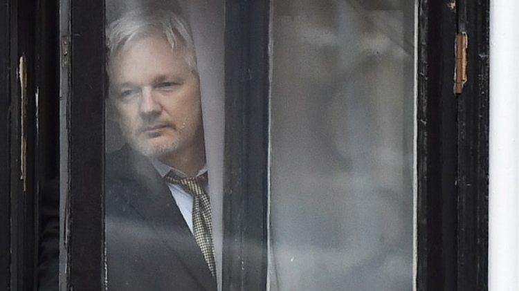 Julian Assange permanece asilado en la embajada de Ecuador en Londres (AFP)