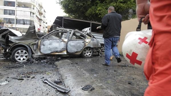 Líder de Hamas resultó herido en explosión de coche bomba — Líbano