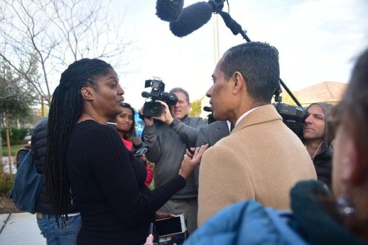 Kimberly Milligan habla con los periodistas (AFP)