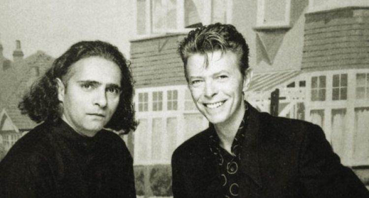 Hanif Kureishi y David Bowie, quien hizo la música para la serie televisiva de la BBC2