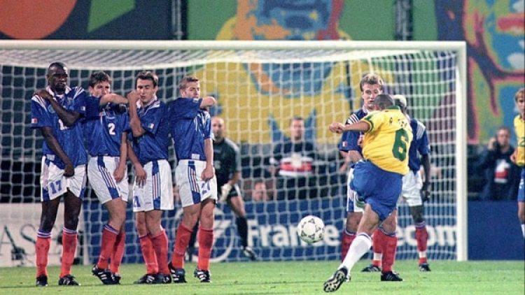 El gol de Roberto Carlos a Francia es uno de los más recordados de su carrera