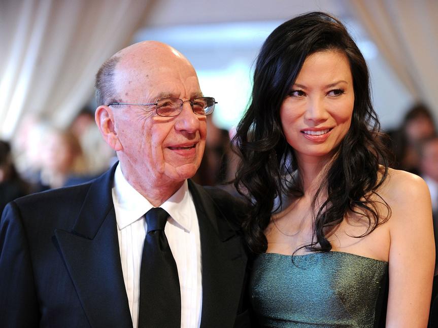 Rupert Murdoch y su exmujer Wendi Deng Murdoch en 2010, juntos en una gala benéfica en Nueva York.