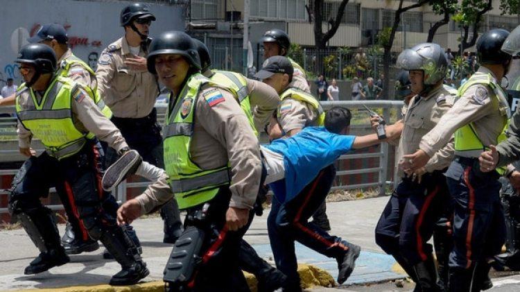 Miles de venezolanos fueron detenidos por el régimen chavista las marchas del año pasado