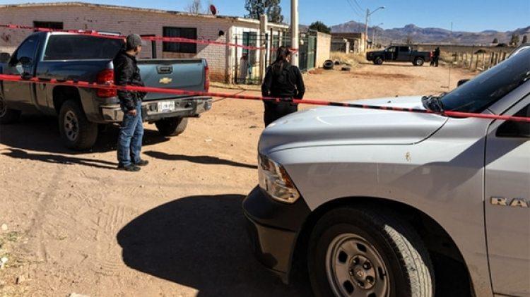 Las autoridades inspeccionaron varias casas en tres colonias de Chihuahua, encontraron al menos seis cadáveres en fosas clandestinas de casas rentadas. Tres de los propietarios están detenidos. (Puente Libre)