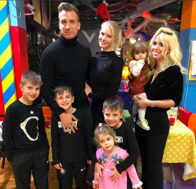 La paz duró poco: Wanda, Maxi, Benedicto, Constantino, Valentino, Francesca e Isabella juntos en diciembre del 2017
