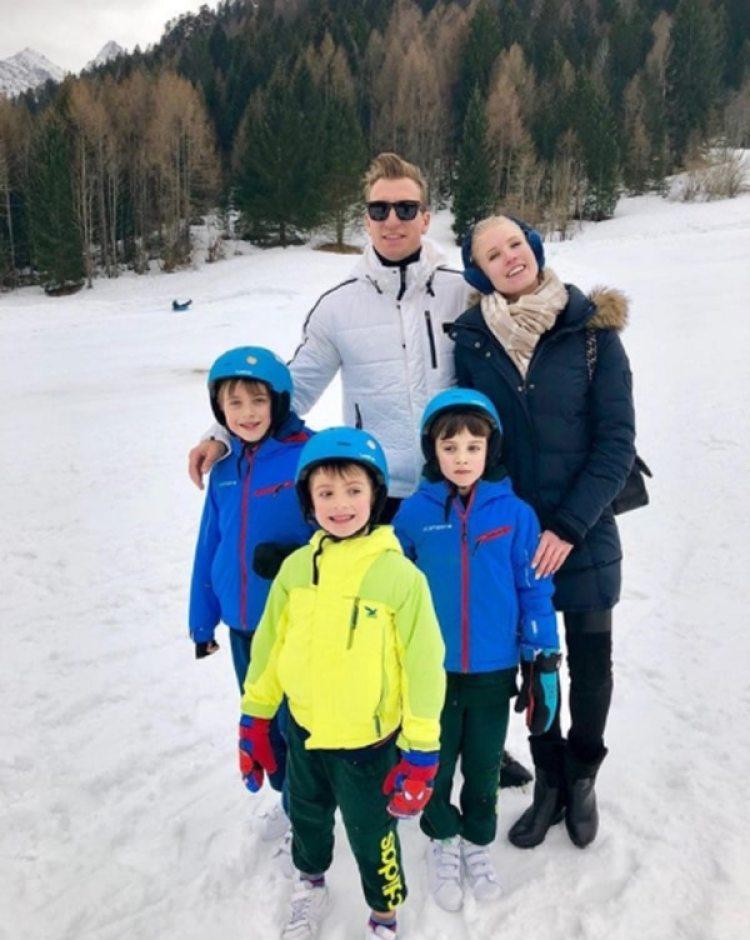 Maxi llevó a sus hijos de vacaciones con su novia a Forni di Sopra – Dolomiti